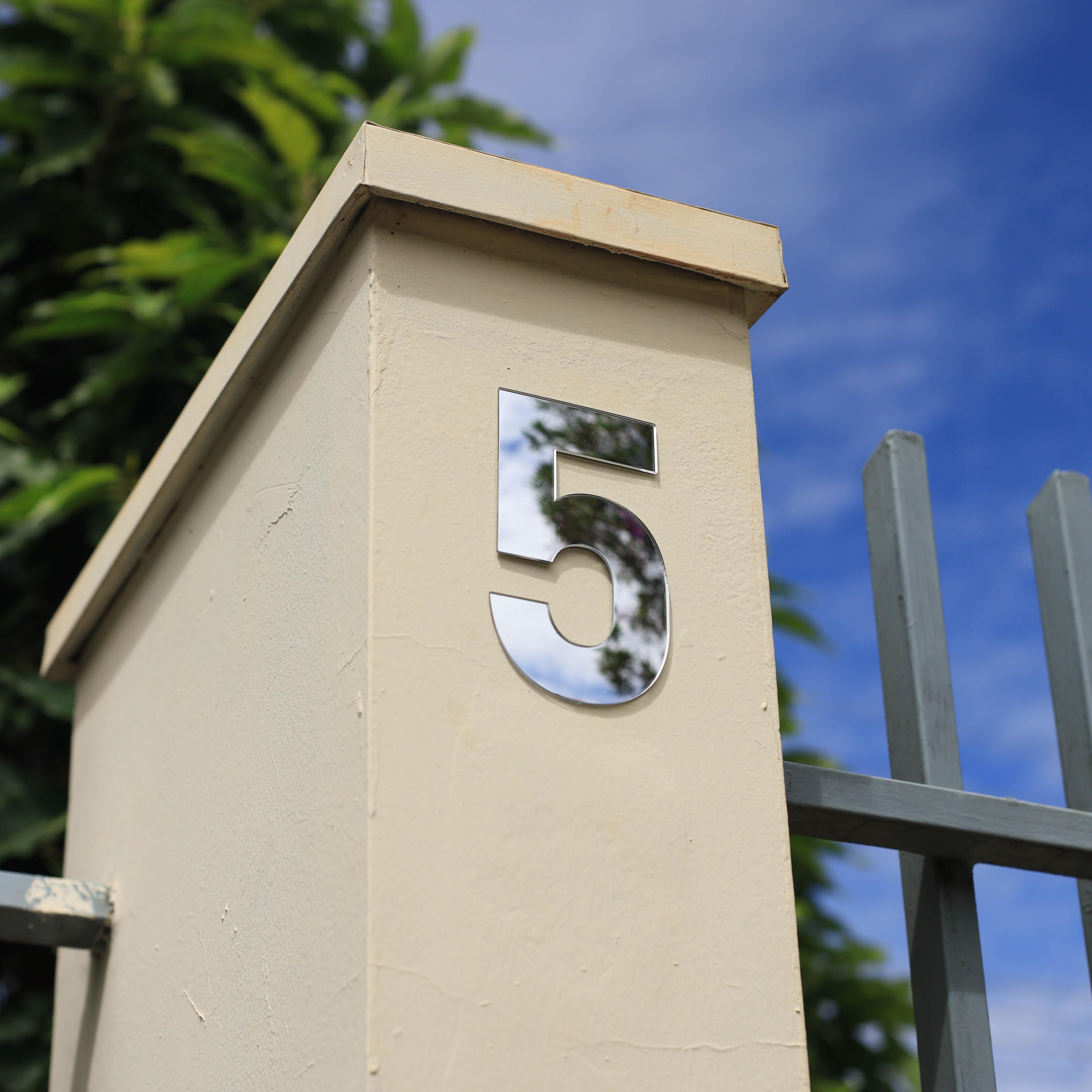 Número Residencial Prata Brilhante Dupla Face - 13 cm