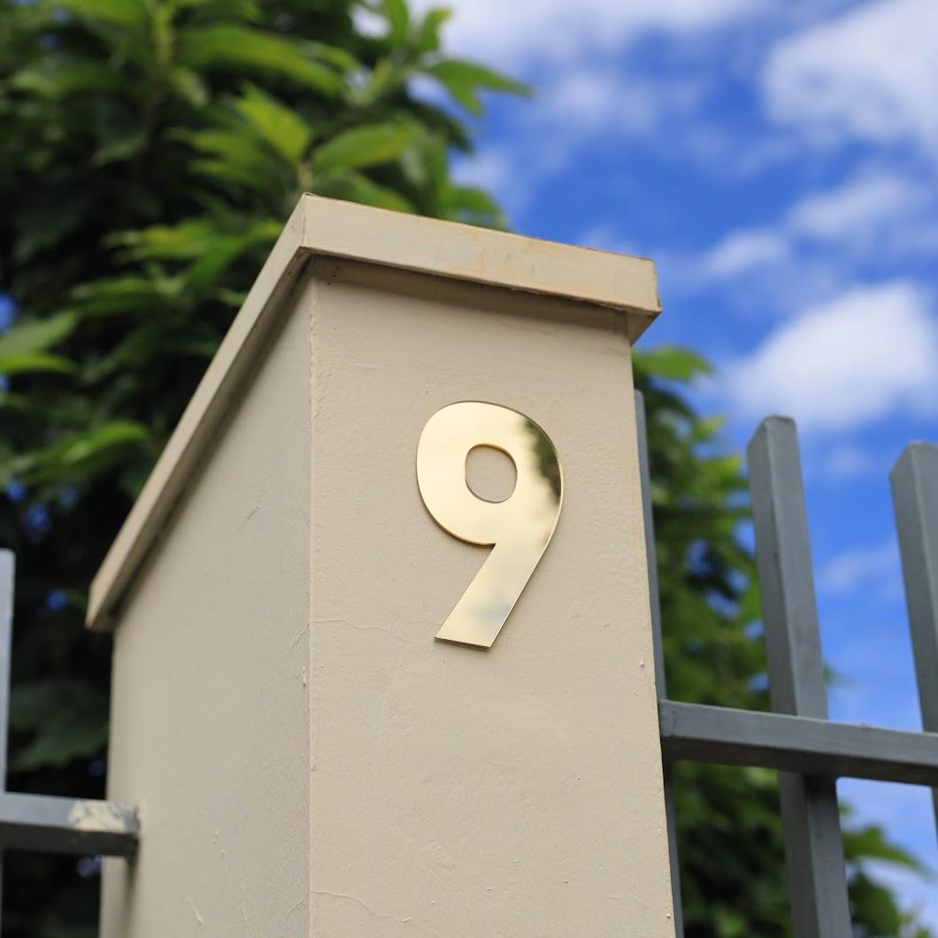 Número Residencial Dourado brilhante Dupla Face - 13 cm